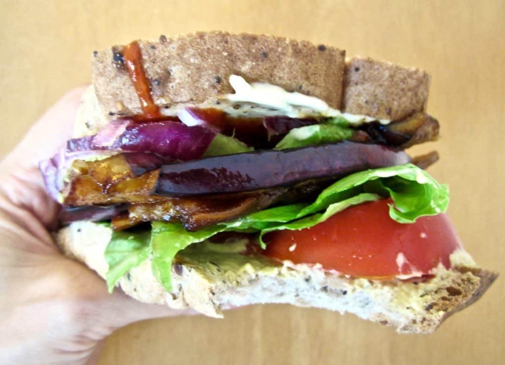 Vegan & GF healthy BLT, with Eggplant Bacon! So yummy & satisfying. | veganchickpea.com