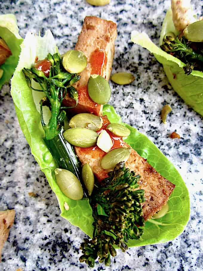 Easy Vegan Tofu Lettuce Wraps - Bake the tofu and broccolini ahead of time for an easy, delicious, 5 minute high protein lunch!   veganchickpea.com