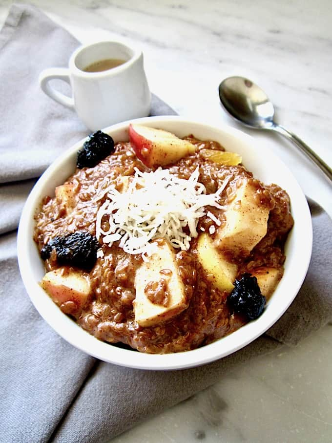Warm 5 Minute Vanilla Flaxseed Cereal (Vegan + Gluten Free) - This warm, creamy porridge comes together in just 5 minutes. Substitute whatever fruit and dried fruit you want, making this a versatile recipe perfect for busy mornings!   veganchickpea.com #shop #ad #SilkandSimplyPureCreamers #cbias