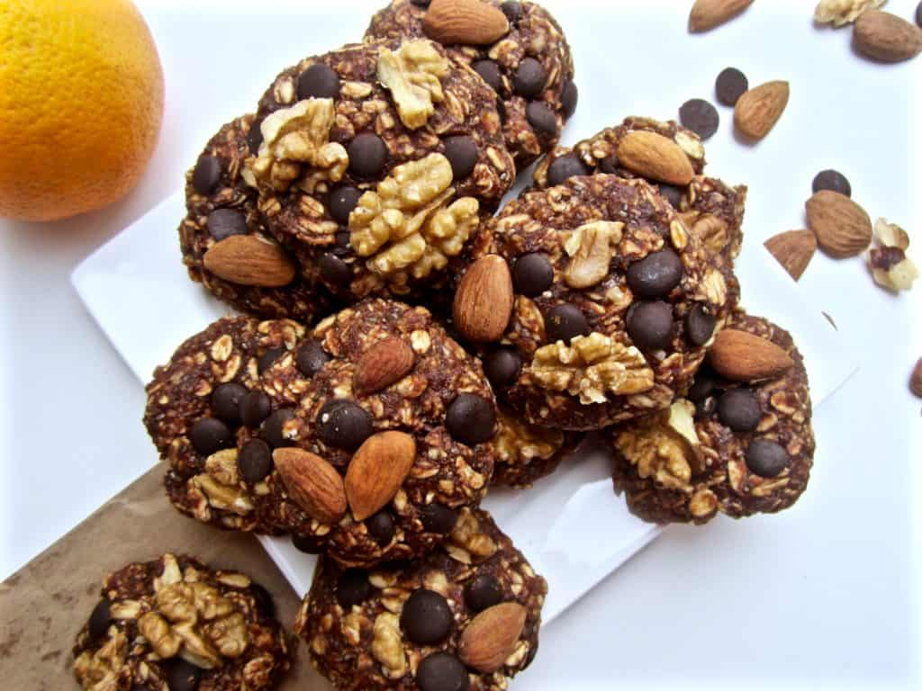 Healthy Chocolate Orange Oatmeal Cookies - vegan + gluten free + refined sugar free + no bake! | veganchickpea.com