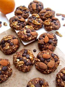 Healthy High Protein Chocolate Orange Oatmeal Cookies - no bake + refined sugar free + gluten free + vegan! | veganchickpea.com