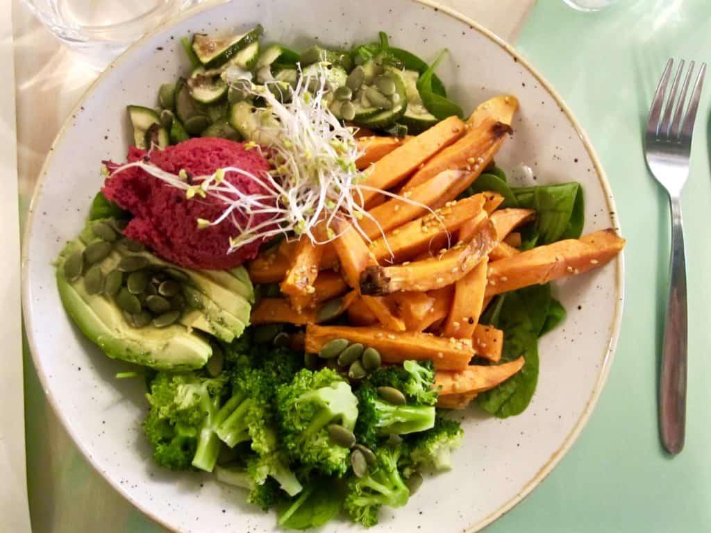 PLUS+ Restaurant Vegan Detox Salad