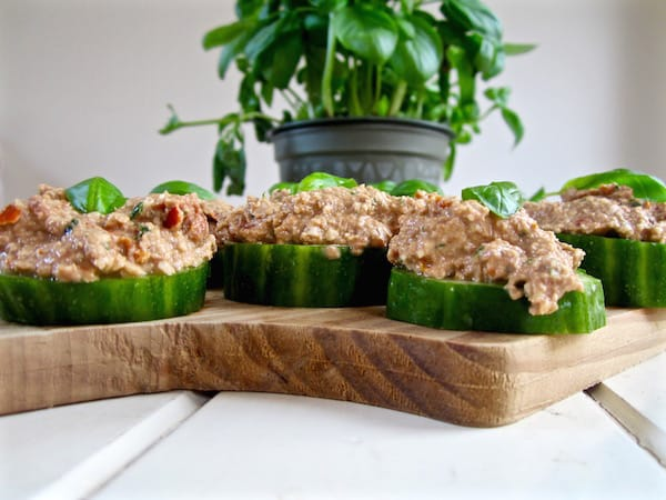 Tomato Walnut Pate - an easy vegan appetizer! Serve on cucumbers or crackers. {raw, paleo, soy & gluten free} | veganchickpea.com