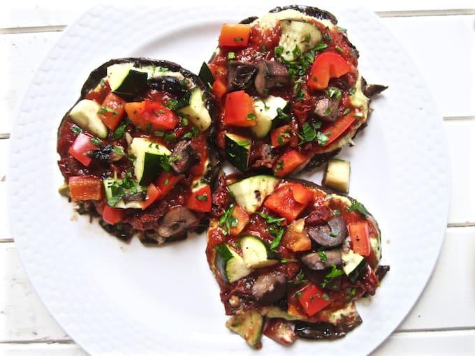 Vegan & Gluten Free Portobello Pizzas with Cashew Basil Cheese recipe - easy, healthy and delicious. {paleo, soy free} | veganchickpea.com