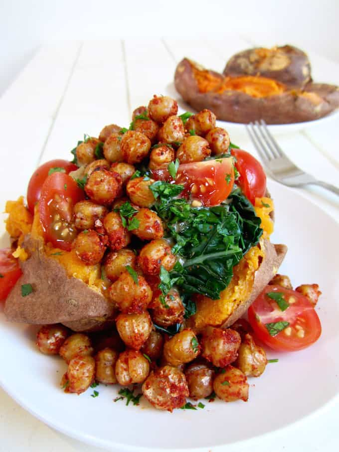 Vegan Sweet potatoes with kale, crispy chickpeas & garlic tahini dressing - a versatile and easy weekday dinner meal with about 23 grams of protein. {gluten free, nut free, soy free} | veganchickpea.com