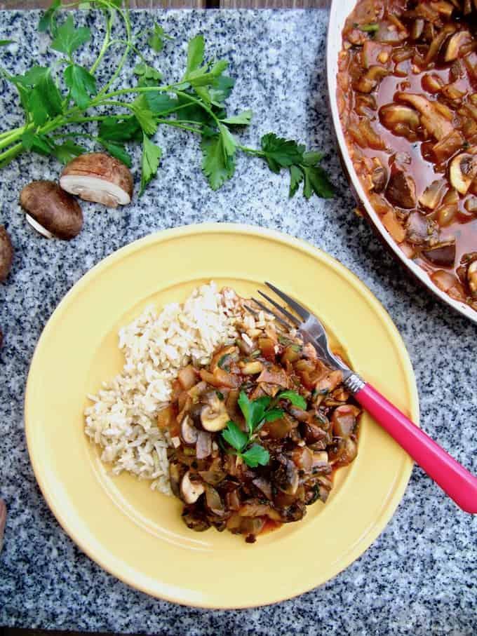 Vegan Mushroom Stroganoff Recipe - a healthier and lighter take on the classic, plus a review of the 'Vegan in 15' Cookbook! | veganchickpea.com